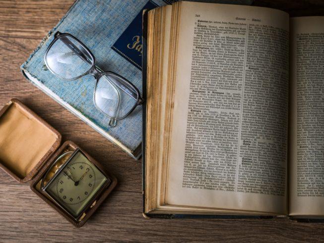 読むインプット学習も大事!リーディング力アップに使える本・記事は?