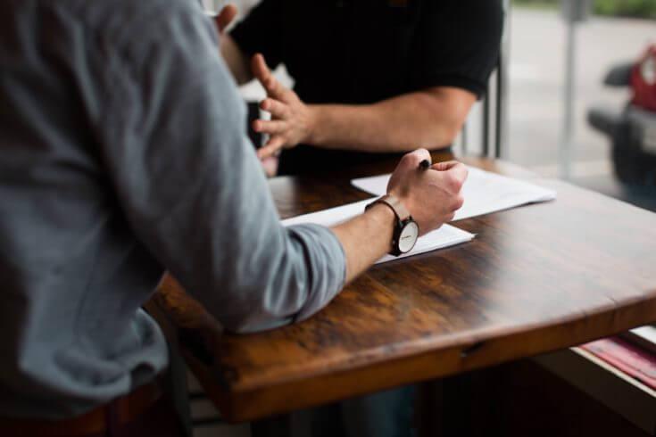 重めの謝罪:仕事上のミスや苦情に対して謝罪する時の英語表現