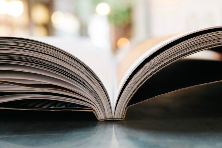通勤中でもじっくり学べるおすすめ英語教材2選