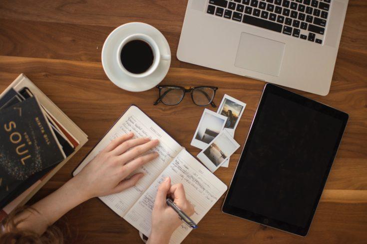 1. ビジネス英語を書籍で学ぶのがおすすめな理由