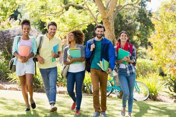 海外の大学生の画像